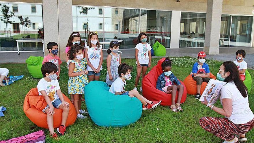Sarabela Teatro invita a los más jóvenes a la lectura con actividades de animación