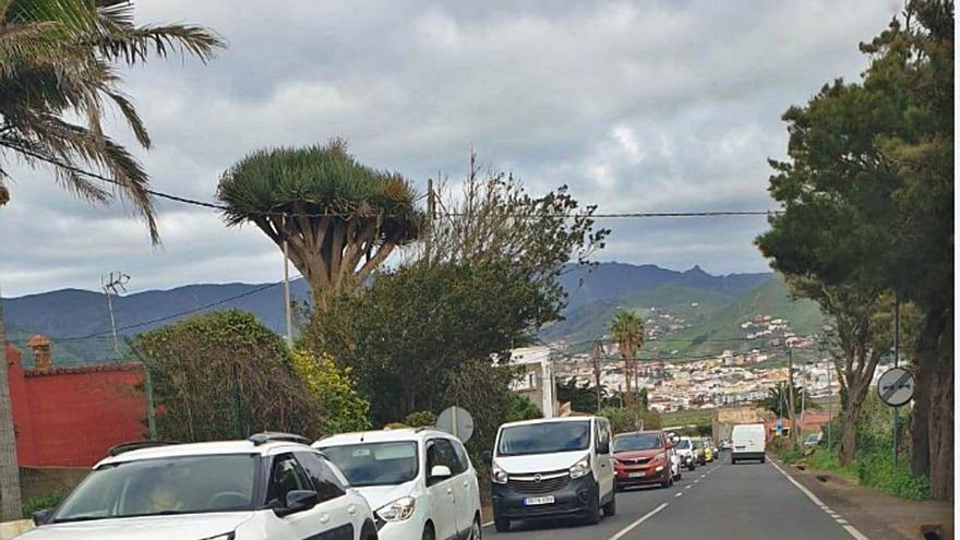 La oposición acusa al gobierno insular de crear inseguridad en los accesos al Teide