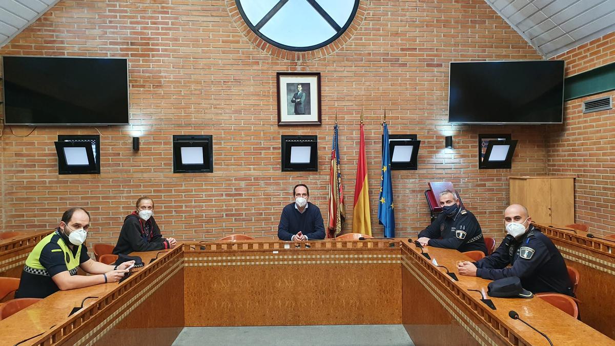 Reconocimiento del Ayuntamiento de Aldaia a los agentes.