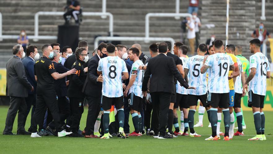 Suspenen el partit Brasil-Argentina després de l'intent de detenir a quatre jugadors argentins