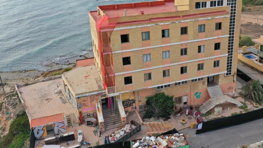 Una empresa francesa inicia las obras para recuperar el Eden Rock como hotel