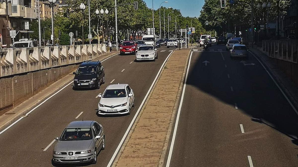 Circulación en la travesía de Cardenal Cisneros en la capital. | Nico Rodríguez