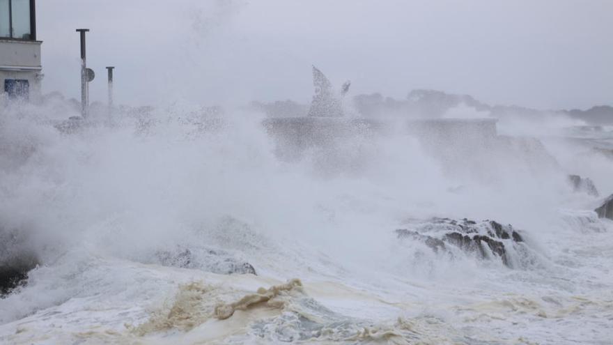Imatges del temporal de llevant a la Costa Empordanesa