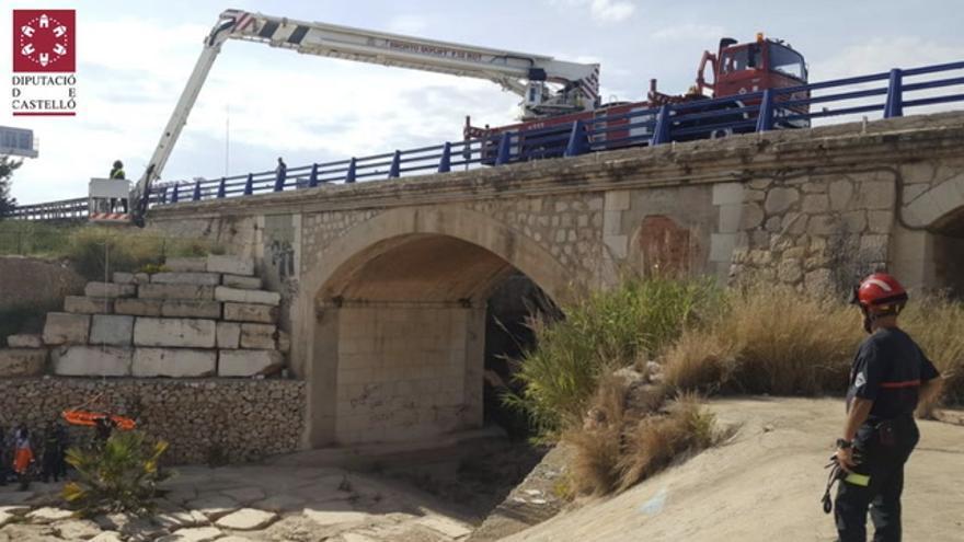 Una mujer cae por un puente de la N340 en Vinaròs mientras paseaba