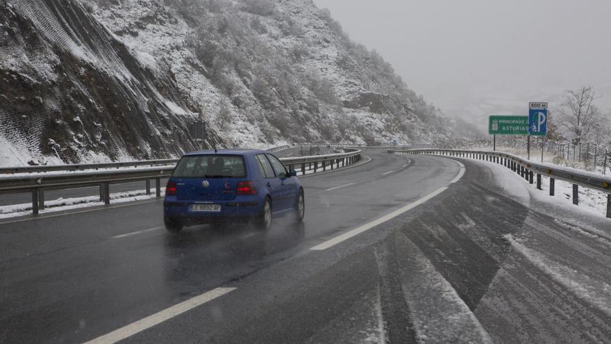 La autopista del Huerna, cerrada para camiones