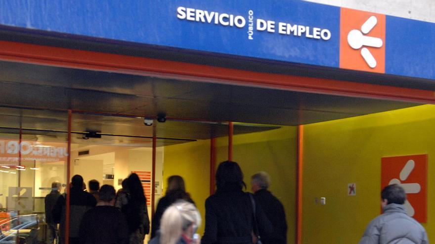 Más de 46.000 parados asturianos no cobran prestaciones