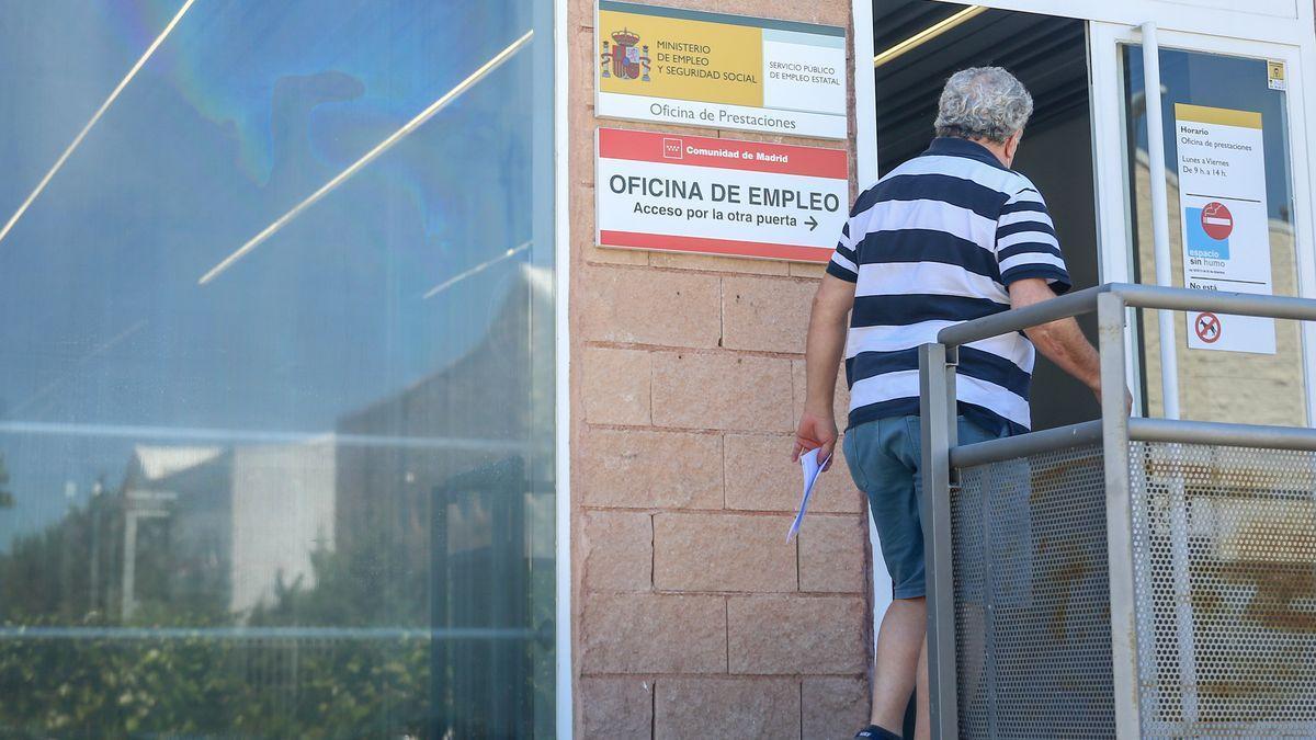 SEPE: ¿Se puede cobrar el la prestación por desempleo estando de excedencia?