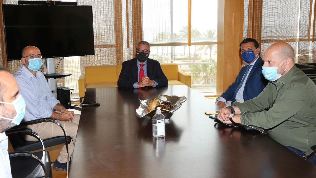 Los presidentes de la Diputación malagueña, Francisco Salado, y el alcalde de Córdoba, José María Bellido, han mantenido un encuentro en Málaga.