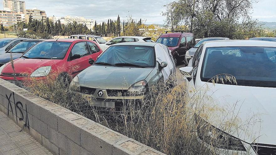 Cuatro personas viven en coches en la calle Jesús