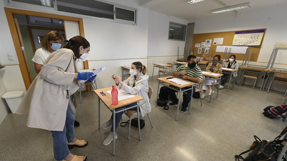 Imagen de archivo del inicio de las oposiciones docentes en el IES La Plana