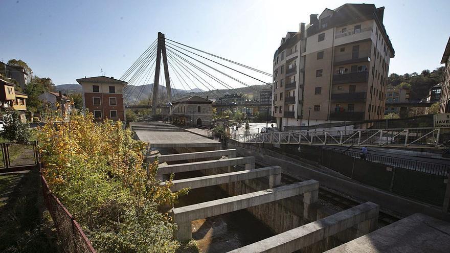 La culminación del plan de vías de Langreo sigue paralizada por la firma del convenio