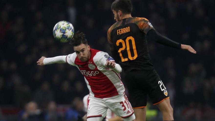 El Valencia asalta el Johan Cruyff