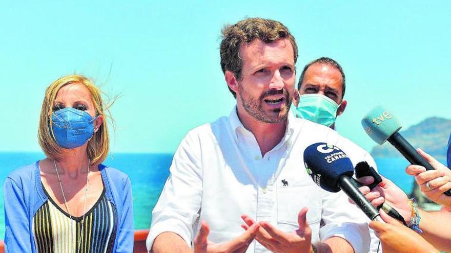 Casado utiliza a Armengol para exigir una ley de pandemias nacional