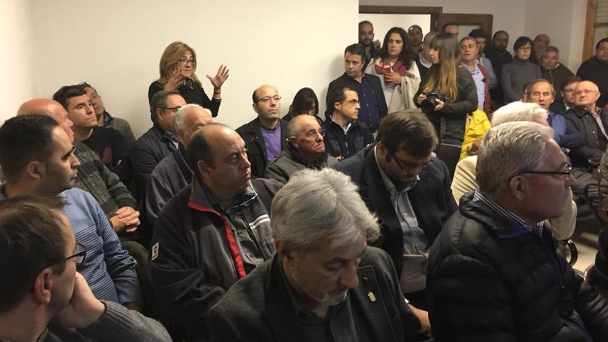 Mayte Martín Pozo anuncia un manifiesto conjunto para mantener Kronospan