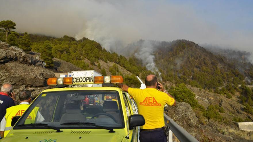 Homenaje al agente forestal muerto en el incendio de La Palma 2016