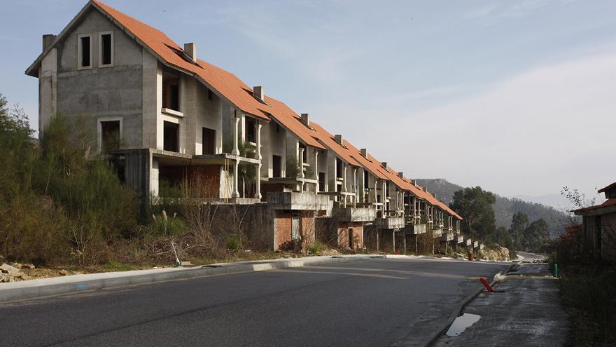 Abanca tendrá que devolver 200.000 euros a dos lalinenses por viviendas que no se entregaron