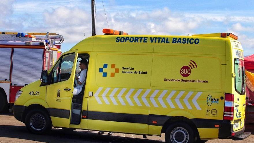 Herida grave al colisionar con un vehículo contra un muro en Tenerife