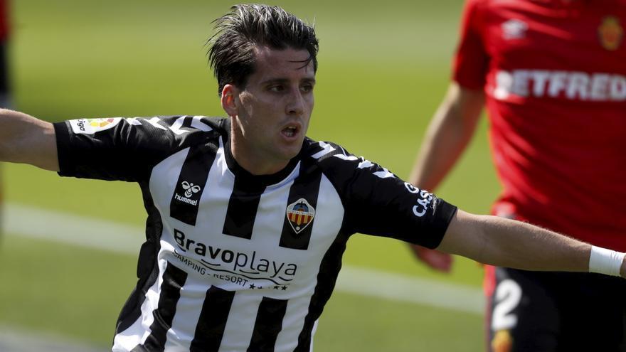 El Castellón aprende a sufrir y frena al Mallorca en Castalia (1-0)