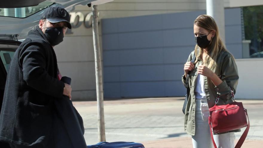 Bustamante se refugia en su novia tras ser acusado de filtrar el embarazo de Paula Echevarría