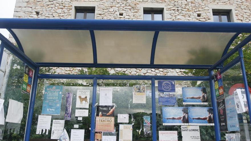 Unidas Podemos reclama mejoras en las paradas de autobús de Sant Joan