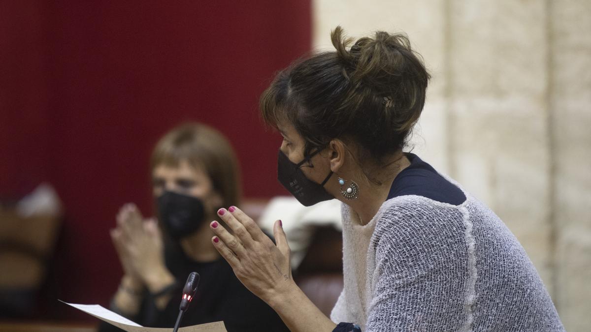 a diputada no adscrita Teresa Rodríguez, en una foto de archivo en el Parlamento andaluz.