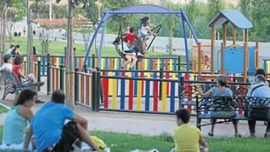 El gobierno municipal destina 224.900 euros al arreglo de zonas infantiles