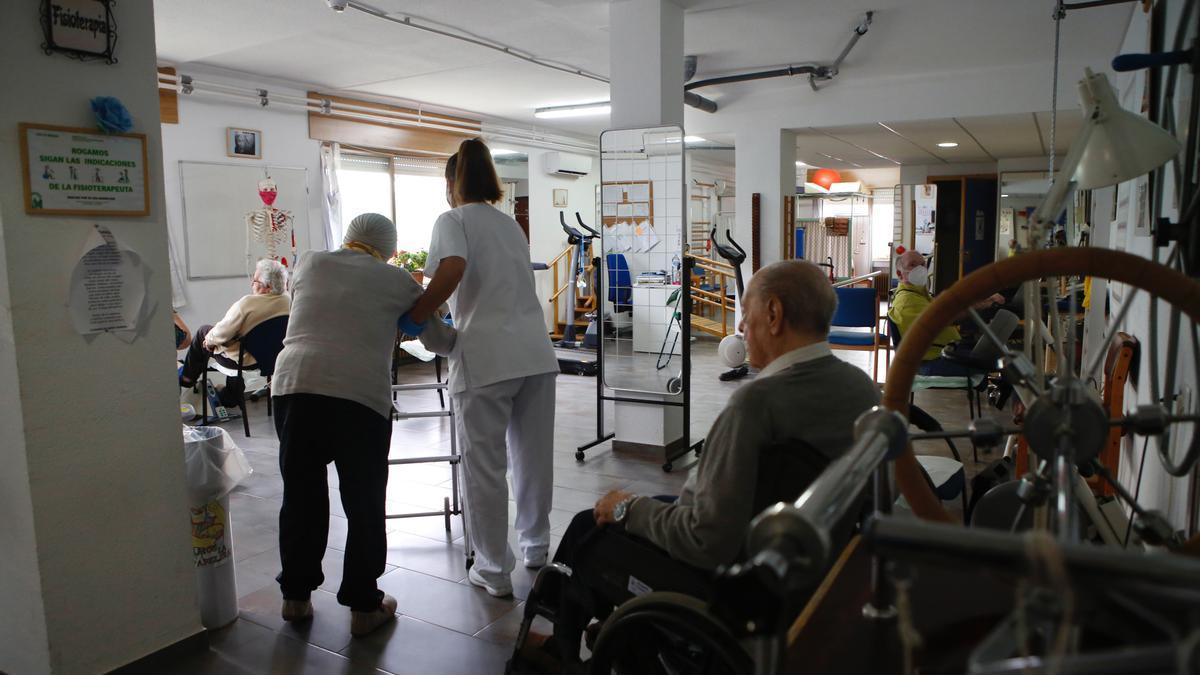 Actividades en una residencia de mayores.