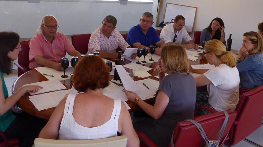 ENAC acredita el primer panel oficial de cata de vinos en la Comunitat Valenciana