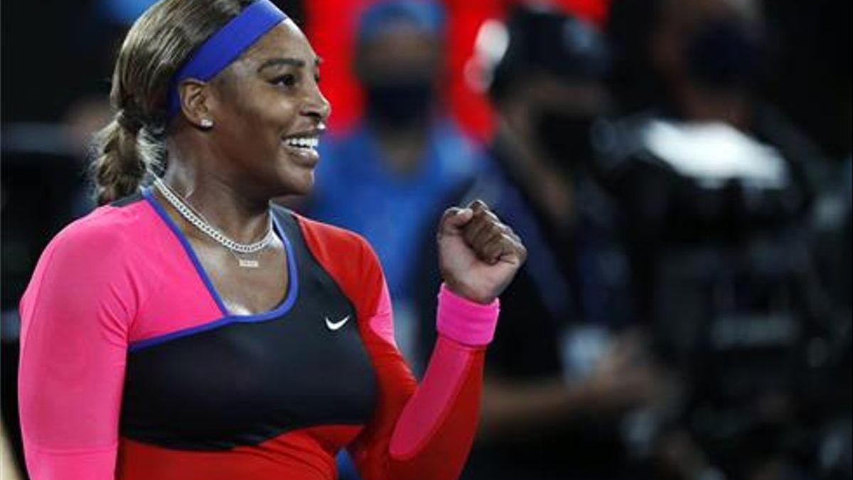 Serena Williams tumba a Halep en Melbourne
