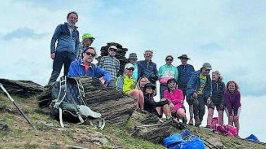 El Centre Excursionista del Bages puja el pic de Salòria