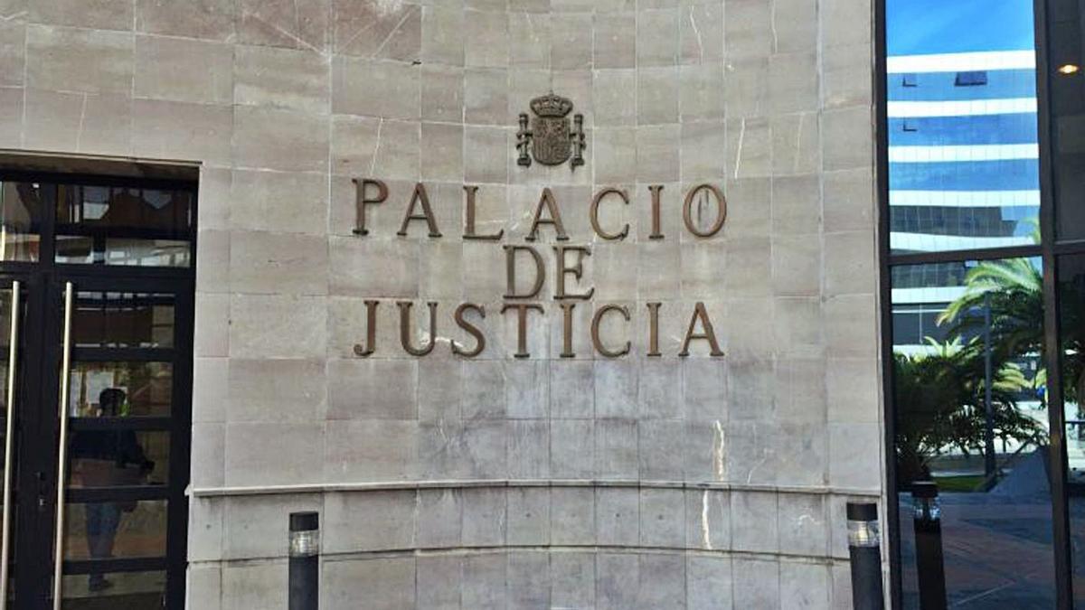 Imagen del la fachada del Palacio de Justicia de Santa Cruz de Tenerife.
