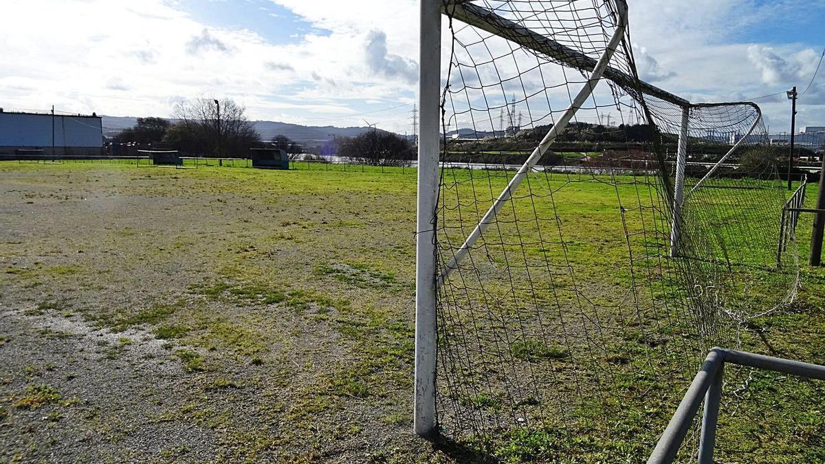 Vista del campo de fútbol de Rañobre. |   // LA OPINIÓN