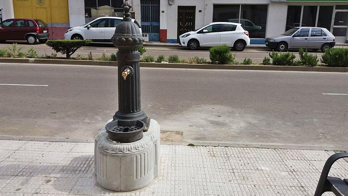 Una de las múltiples fuentes de agua potable de la ciudad.