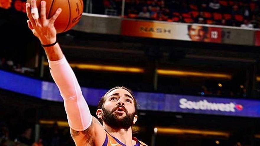 Ricky Rubio dirige a los Suns al 7-0 ante los Sixers