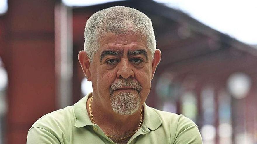 Alberto Díaz, portavoz de la Plataforma en Defensa do Tren A Coruña e As Mariñas.   | // CARLOS PARDELLAS