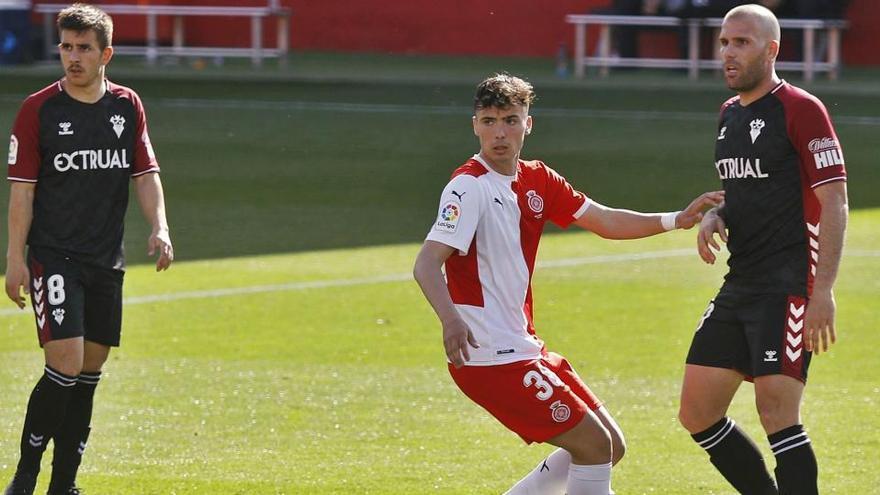 Debutar a la Lliga amb 17 anys i no arronsar-se davant Ortuño i Zozulia