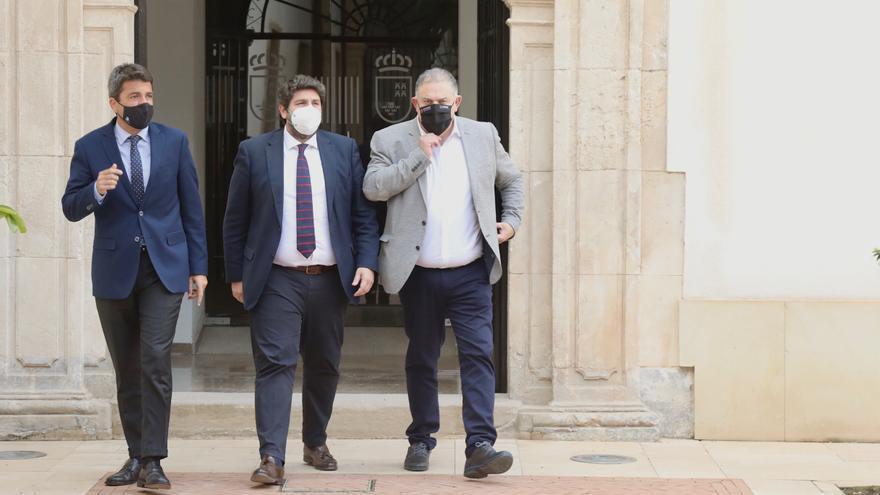 """Mazón: """"Es urgente e inaplazable paralizar los recortes hídricos del Gobierno central al sureste español"""""""