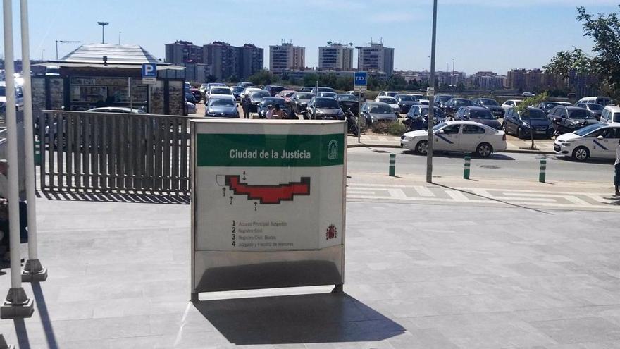 La fiscalía pide 30 años de cárcel para dos futbolistas que apuñalaron a un rival en Málaga