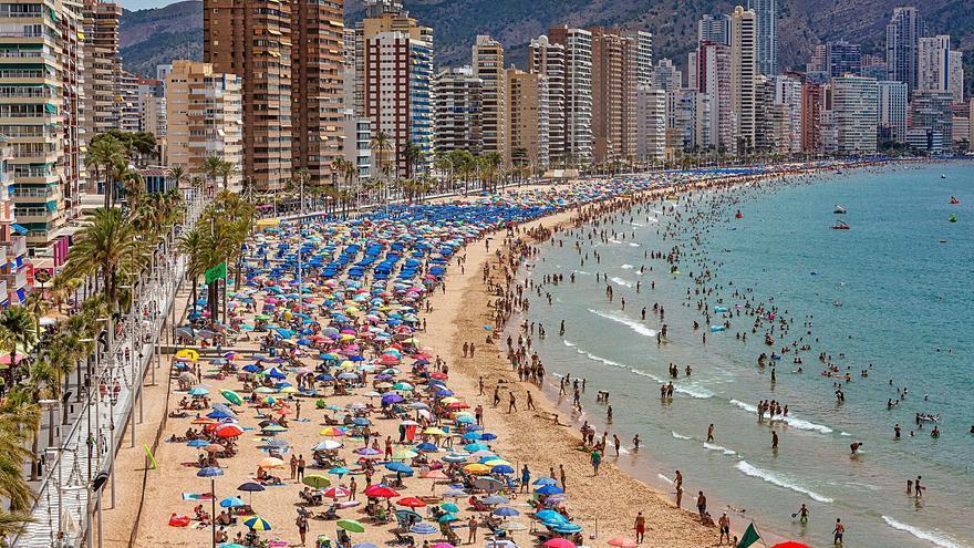 Los hoteles reciben agosto con un 87% de ocupación media