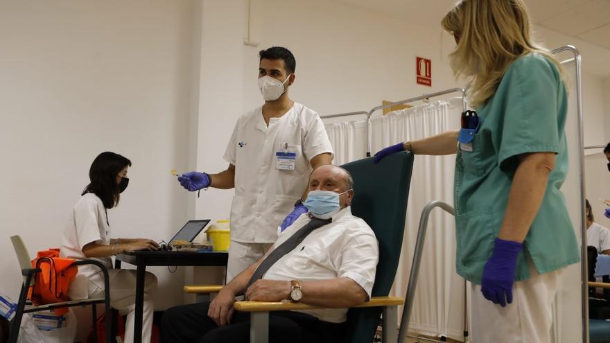 VÍDEO | Francisco, el primer zamorano en recibir la tercera dosis contra el coronavirus
