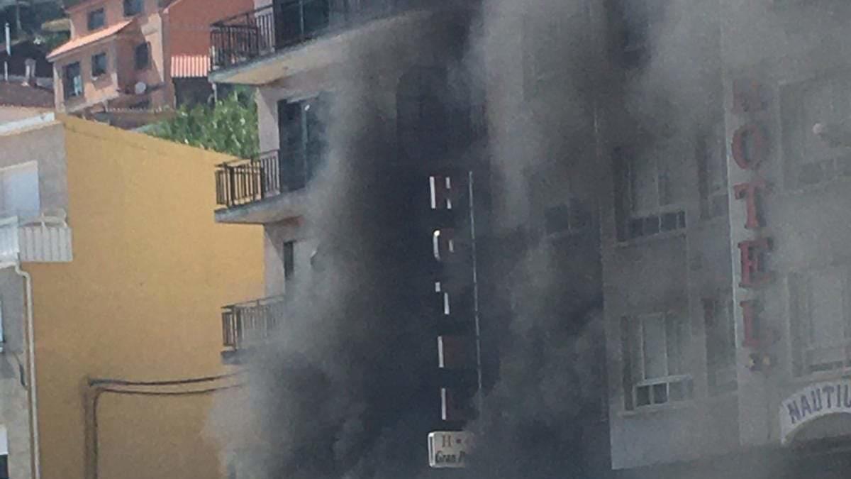 Incendio sin heridos en la terraza de un hotel de Raxó