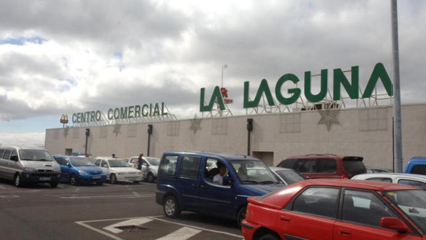 Alcampo oferta 65 puestos de trabajo en Canarias