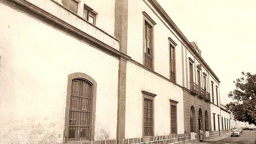 El cuartel de San Carlos. Punto y final
