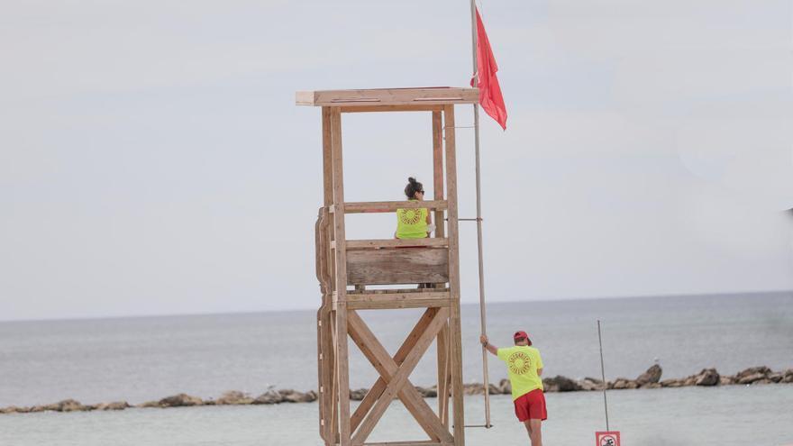 Cerradas las playas de Palma por la tormenta y nuevos vertidos