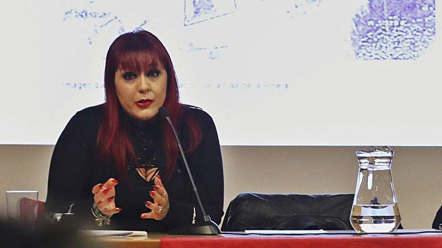 """Inés Iglesias, sobre las fosas comunes: """"Mejor llegar tarde que dejar en el olvido los cuerpos"""""""