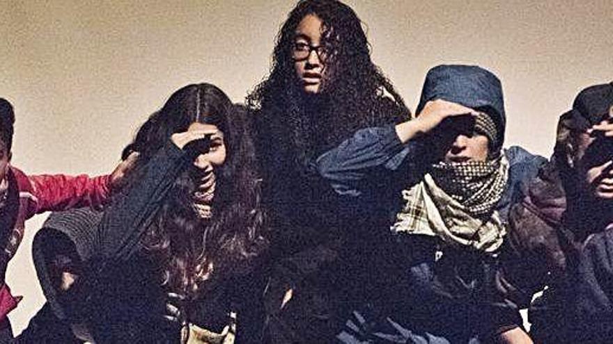 Els Carlins acull una obra col·lectiva que denuncia la violència de gènere