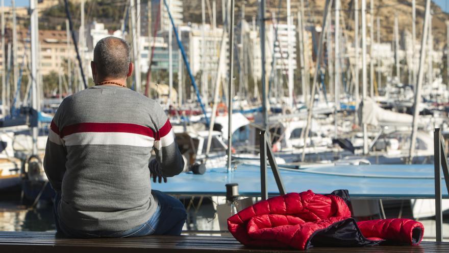 Tres sintecho logran salir del agujero tras encontrar un empleo en Alicante