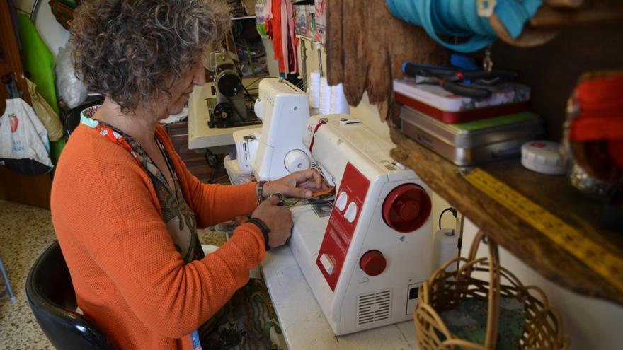 Macu Pacios, de Madrid a Colunga, para crear su propia empresa de diseño textil en el medio rural