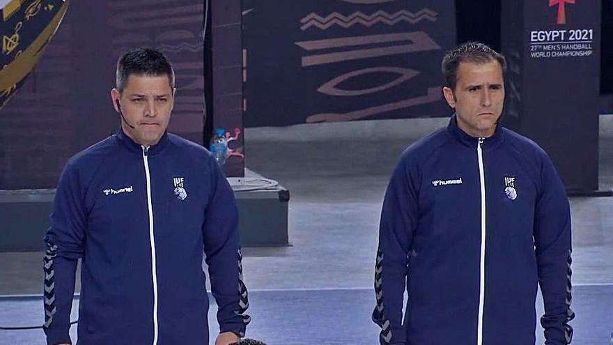 Los colegiados grancanarios Sabroso y Raluy, en las rondas decisivas del torneo