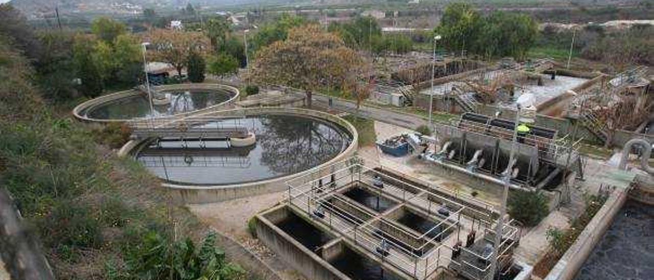 Los lodos de la EDAR Alcúdia-Canals multiplican por 10 los niveles de polución aptos